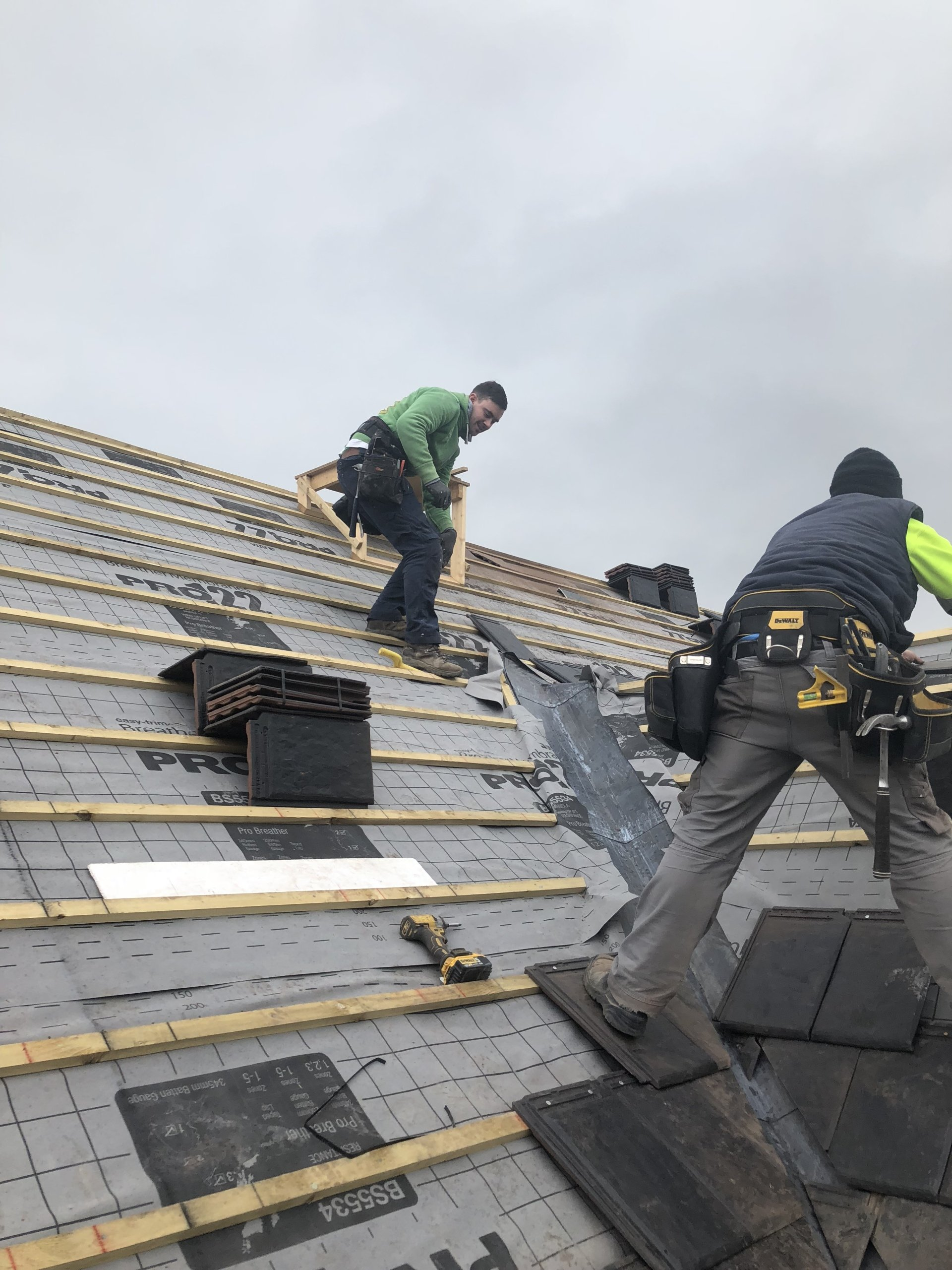 FJS Contracts Ltd: Roofing