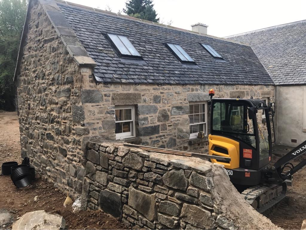 FJS Contracts Ltd: house build, stone work